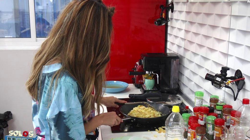"""El mosqueo de Bea al no conseguir hacer una tortilla de patatas: """"Soy una máquina"""""""
