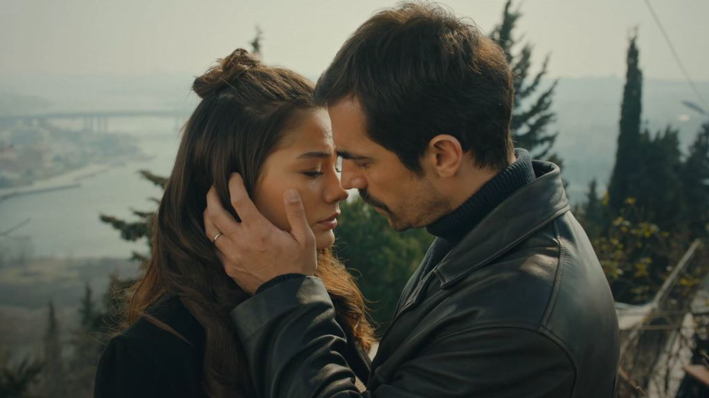 El casi beso de Zeynep y Mehdi