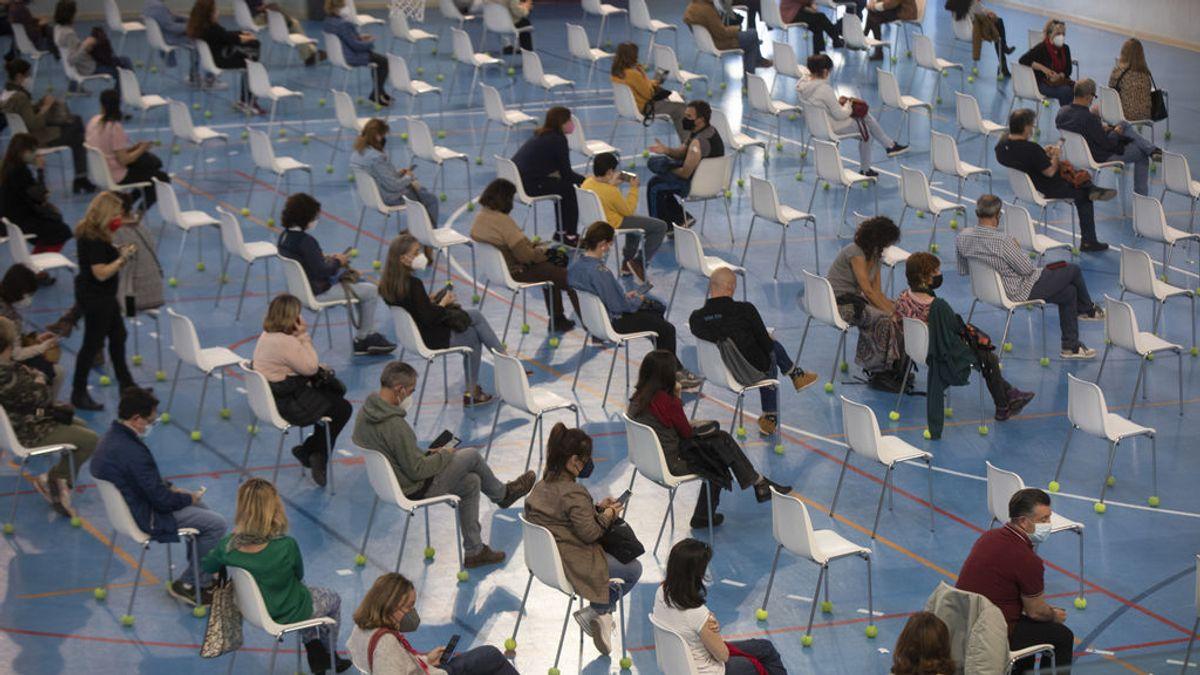 España registra récord en la vacunación e inocula más de 500.000 dosis durante el fin de semana