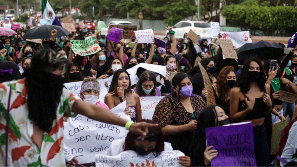 Muere una mujer tras ser sometida por la policía en México, en un suceso similar al ocurrido con George Floyd