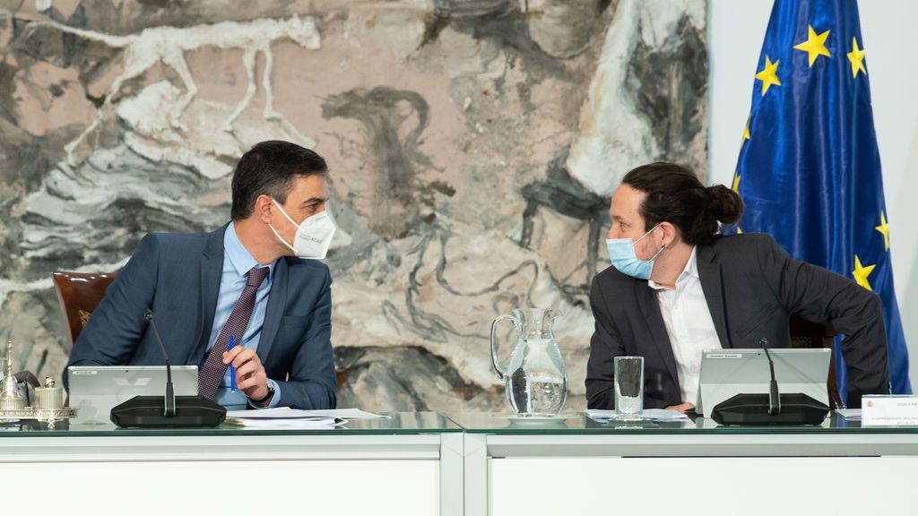 Pedro Sánchez y Pablo Iglesias, en el Consejo de Ministros