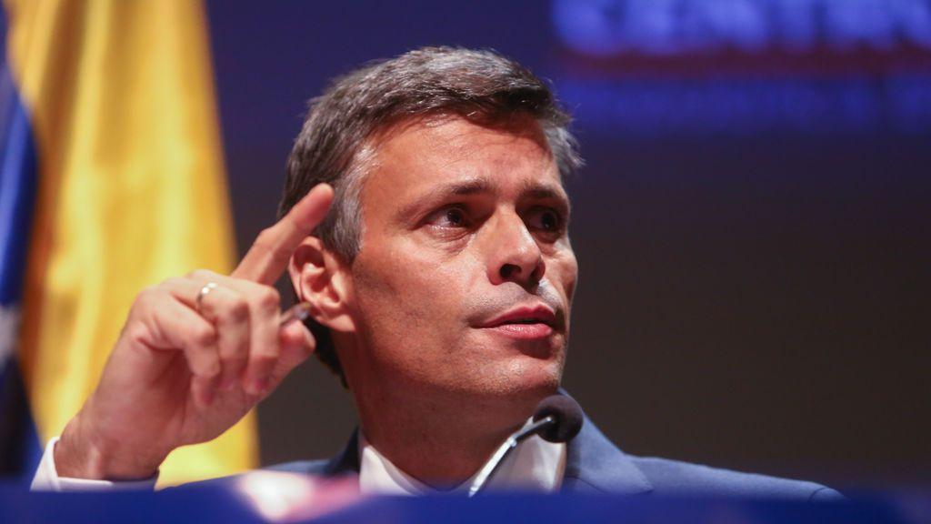 EuropaPress_3400141_lider_opositor_venezolano_leopoldo_lopez_pronuncia_primer_mensaje_salida