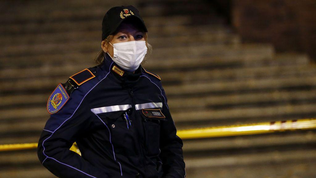 Tres funcionarios detenidos por manipular los datos de contagios y muertos por la pandemia en Sicilia