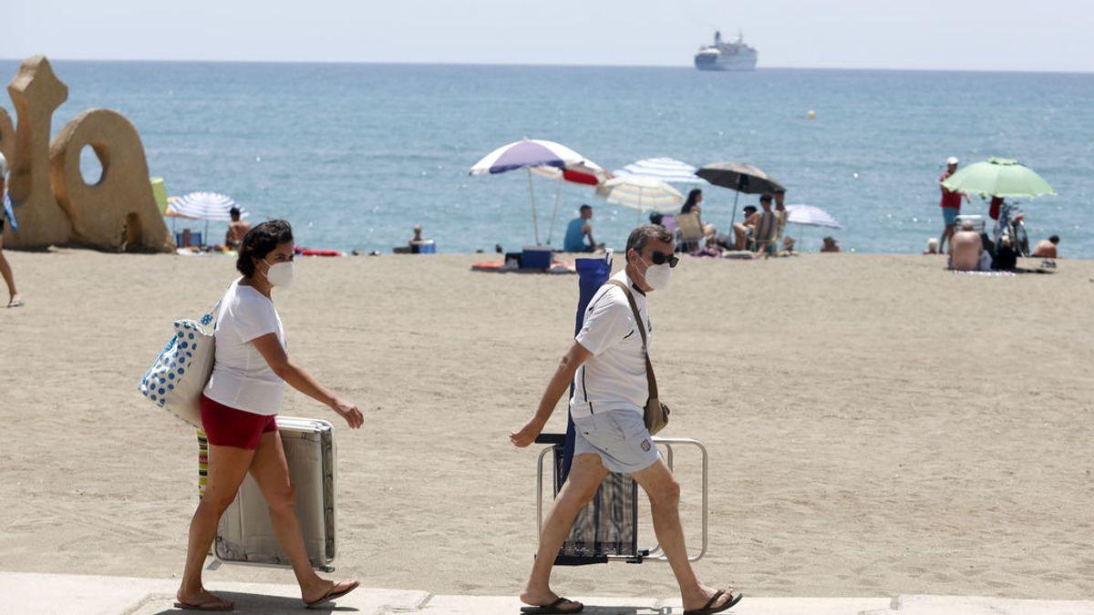 Mascarilla obligatoria en playas, piscinas o en el campo: una nueva ley del Gobierno exige su uso y es aplicable a toda España