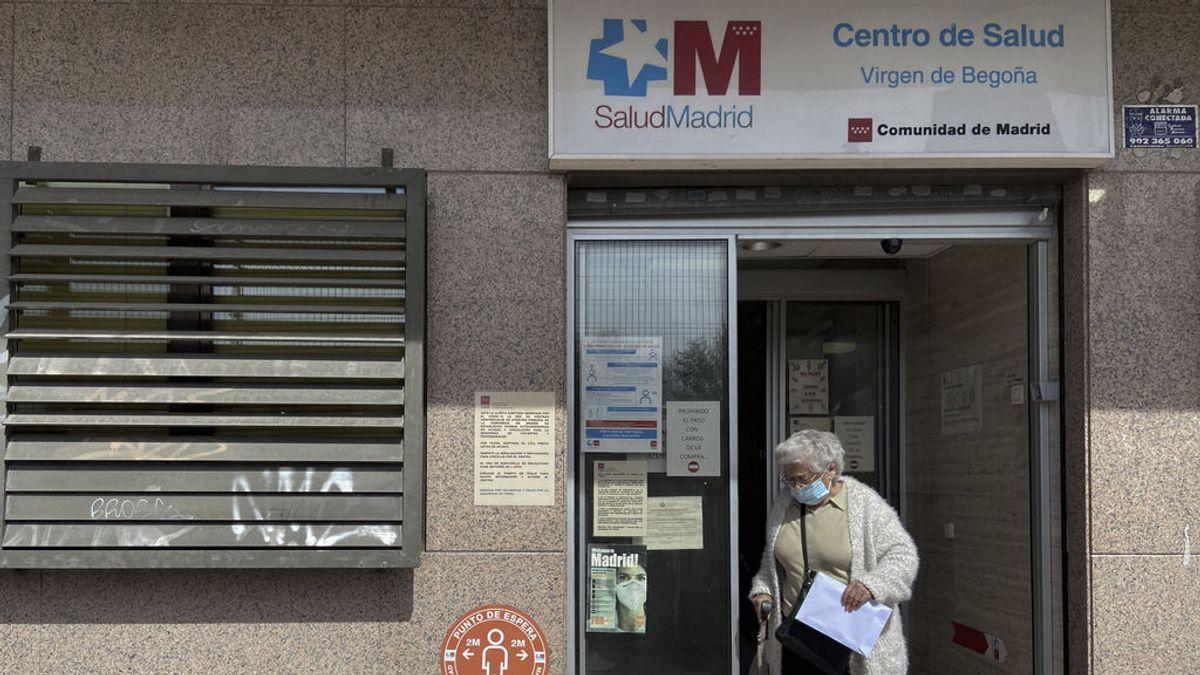 Madrid suspende la vacunación a mayores de 80 años durante la Semana Santa al cerrar los centros de Salud