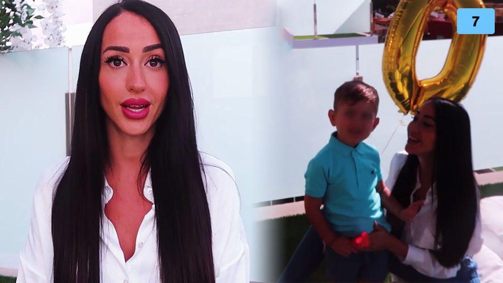 Aurah Ruiz muestra la cara de su hijo Nyan por primera vez (1/2)