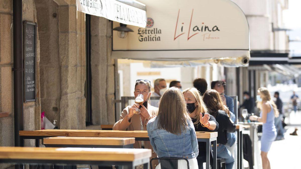 Castilla y León decide cerrar el interior de los bares en las zonas con más incidencia