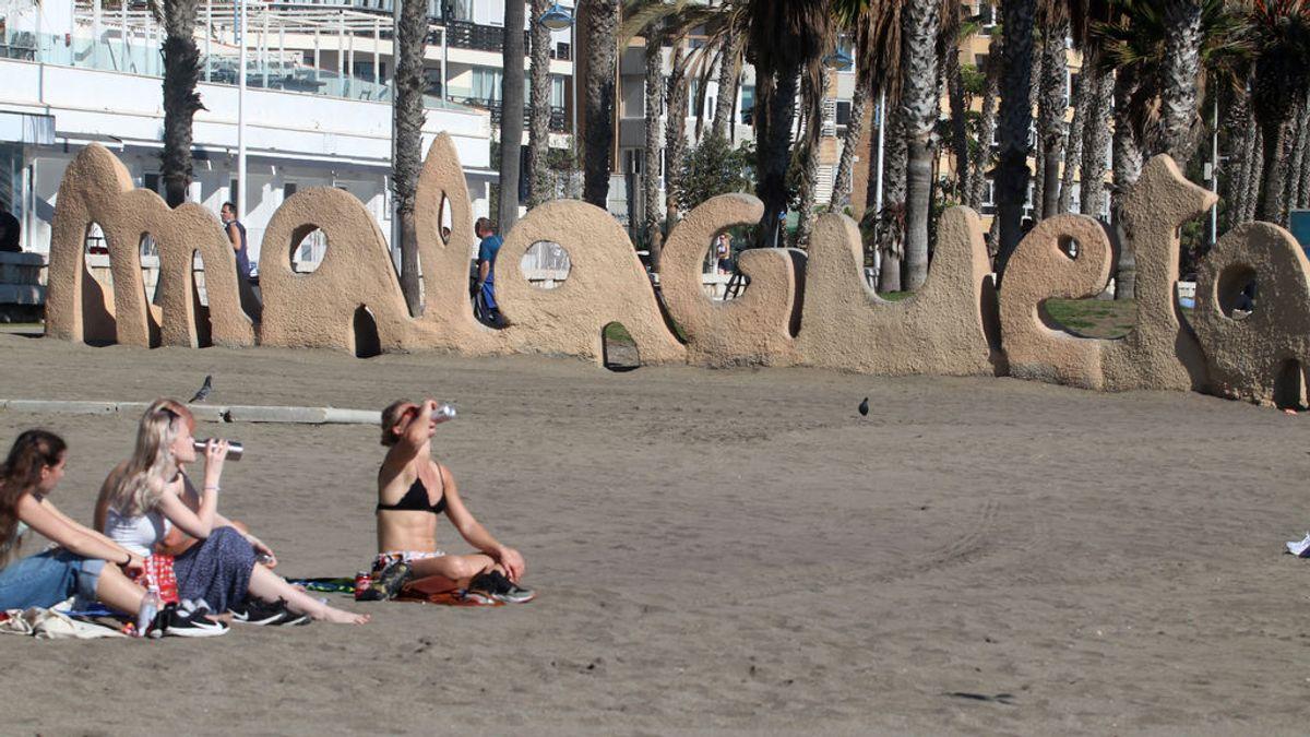 Un centenar de peticiones a los administradores de fincas de Málaga buscando excusa para viajar