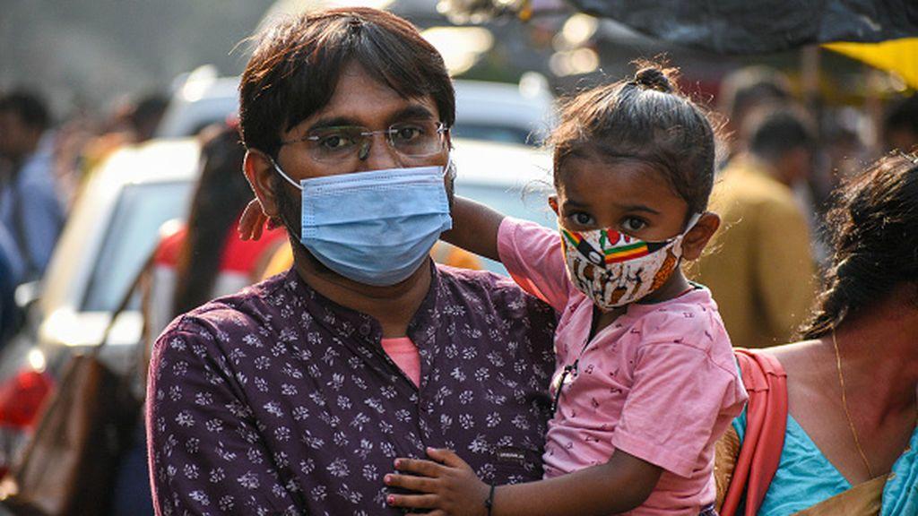 India confirma cerca de 53.500 casos de coronavirus y supera el umbral de los 12,1 millones de contagios