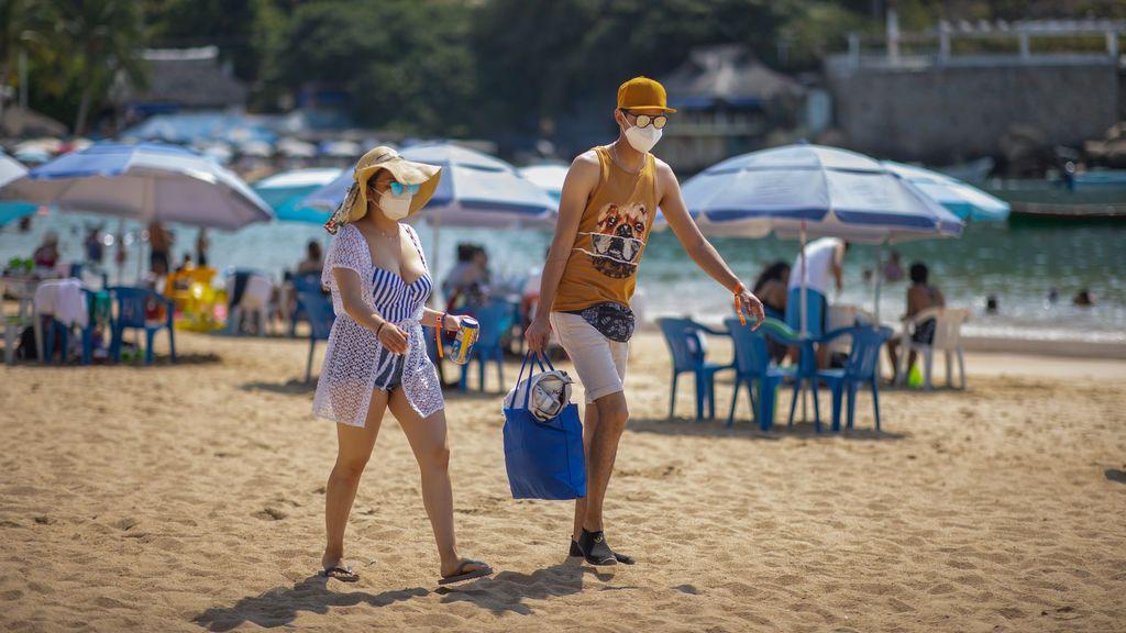 Aclaraciones de Sanidad sobre la mascarilla en la playa