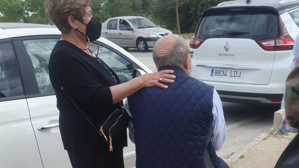 Colas dos horas vacunas mayores Sevilla