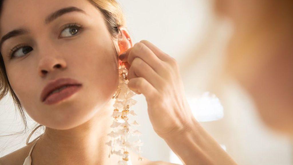 Pendientes XL para novias, la nueva tendencia nupcial