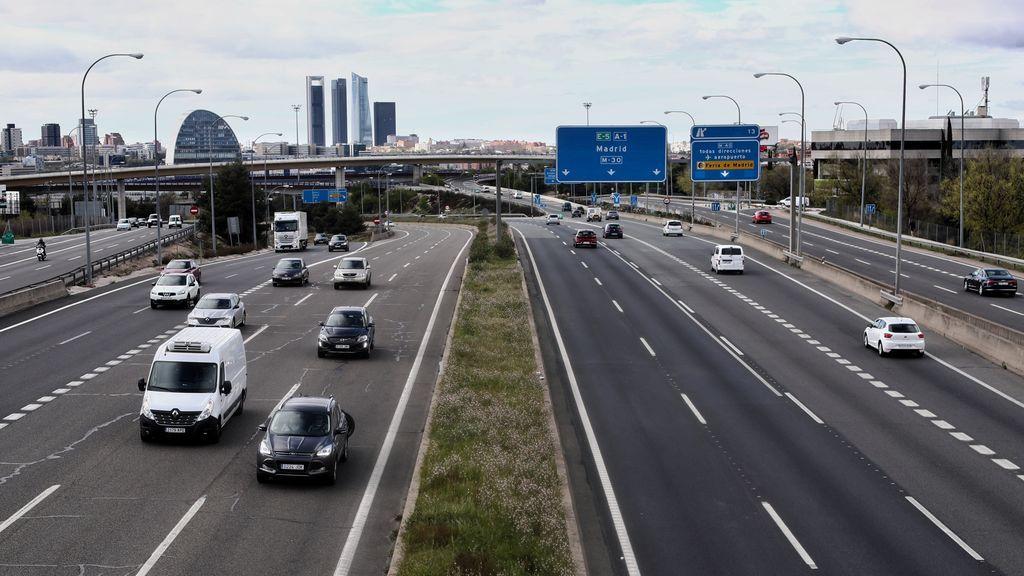 Las carreteras madrileñas registraron este miércoles un 56% menos de desplazamientos respecto al miércoles santo de 2019