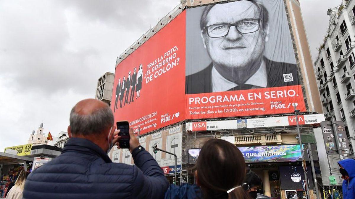 """El PSOE despliega una lona en Callao pidiendo a los ciudadanos evitar """"el Gobierno de Colón"""""""