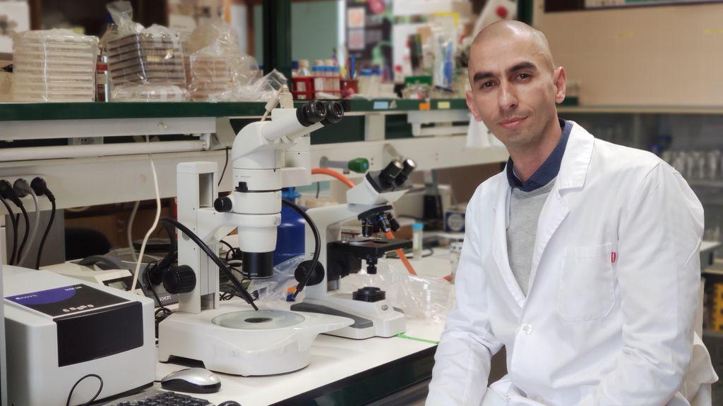 """Raúl Rivas, microbiólogo: """"Las vacunas de ARN son extraordinarias, las tenemos gracias a la investigación anterior en ciencia básica"""""""