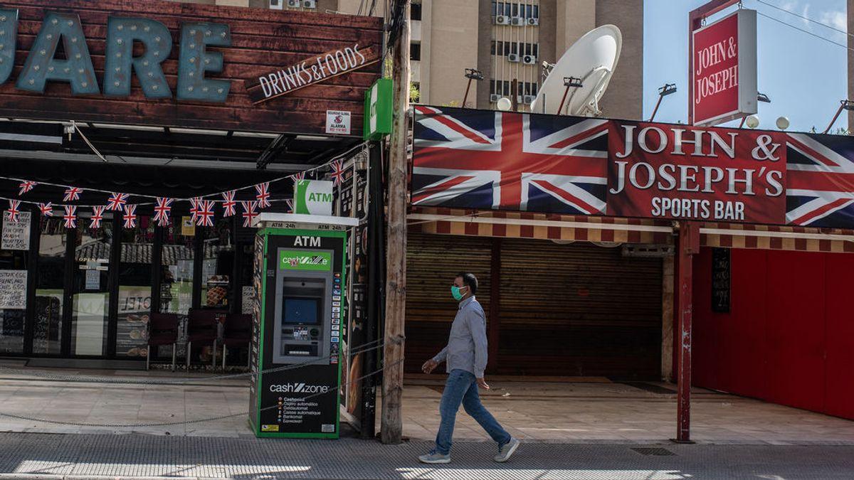 Reino Unido pone a España en rojo en su sistema de semáforos y cambia Benidorm por Bahrein para ir de vacaciones
