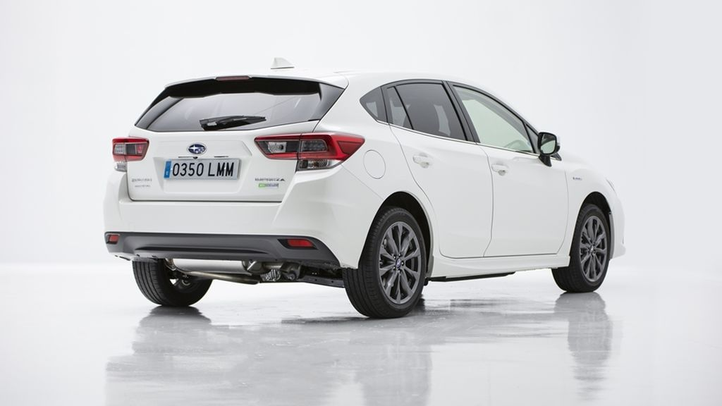 A prueba: Subaru Impreza ecoHybrid, magnífica dinámica con consumos mejorados