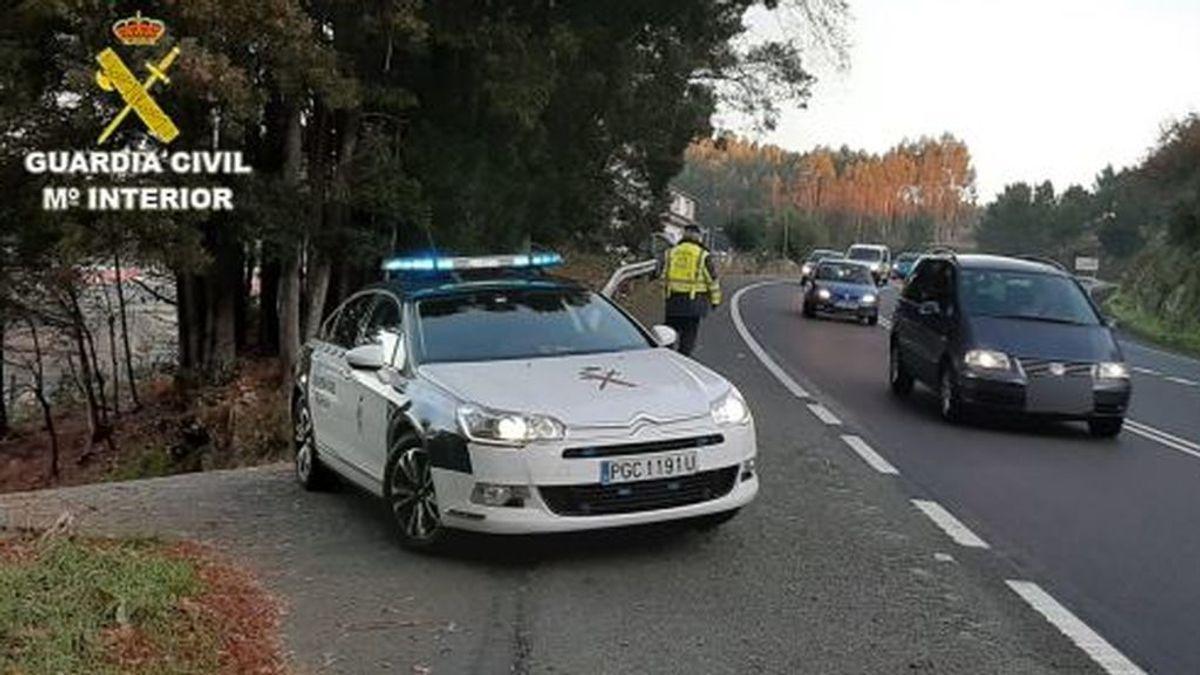 Una conductora que cuatriplicaba la tasa de alcohol pide ayuda a la Guardia Civil para llegar al trabajo en Vigo