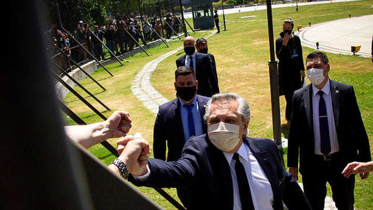 El presidente de Argentina da positivo por COVID-19 en un test de antígenos