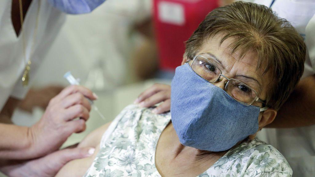 Argentina lanza un pasaporte sanitario contra la COVID-19, que deja ya más de 56.000 muertos