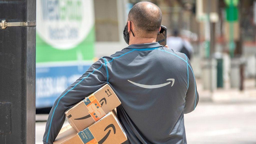 Amazon se disculpa y admite que sus conductores orinan en botellas