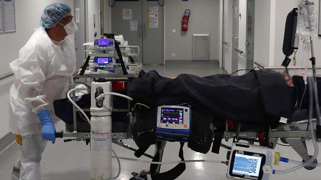 Francia suma más de 5.200 pacientes graves, récord de ingresos en UCI desde noviembre