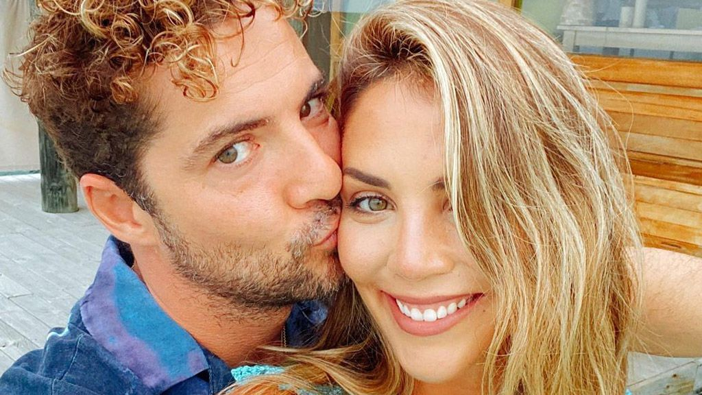 "David Bisbal comparte una foto inédita del embarazo de Rosanna Zanetti: ""Es de mis favoritas"""