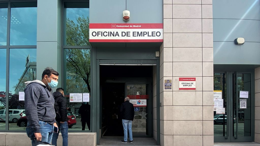 El SEPE sólo consigue empleo a 2 de cada 100 trabajadores, según datos de la Encuesta de Población Activa