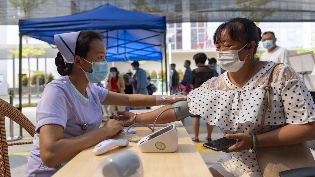 China continúa sumando nuevos positivos en el brote de la provincia de Yunnan