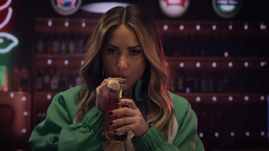 Demi Lovato recrea su sobredosis en su último videoclip
