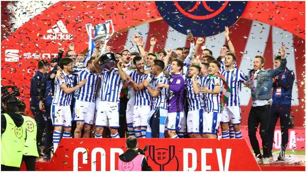 Illaramendi levanta al cielo de La Cartuja la Copa del Rey para la Real Sociedad