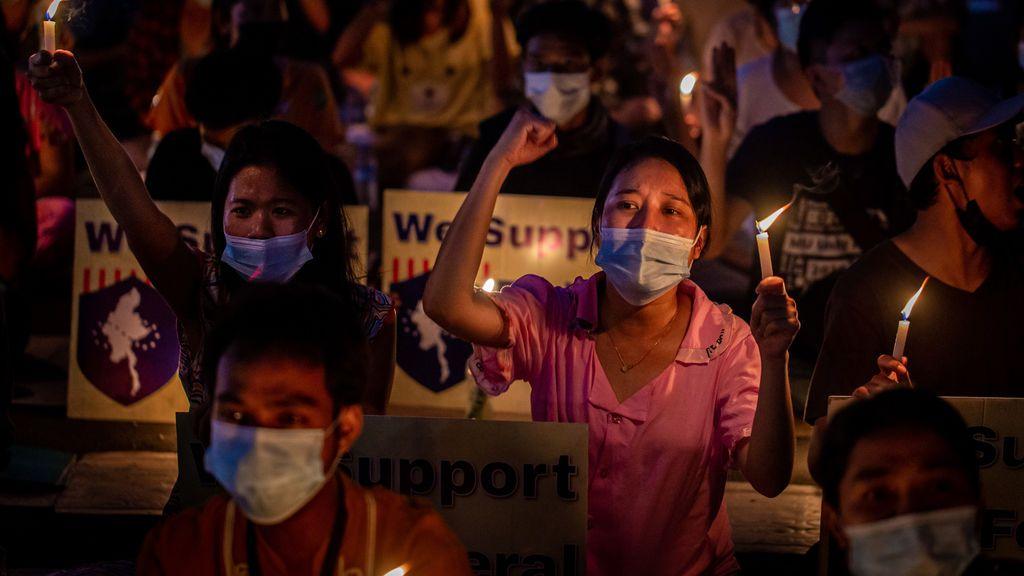 Decenas de famosos son acusados en Birmania por apoyar las protestas contra el golpe militar