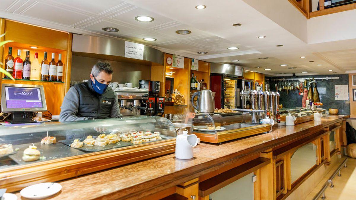 Castilla y León cierra el interior de bares y salas de juego en 21 localidades