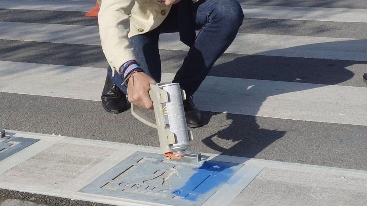 Granada adapta sus pasos de peatones a personas con trastornos del espectro autista