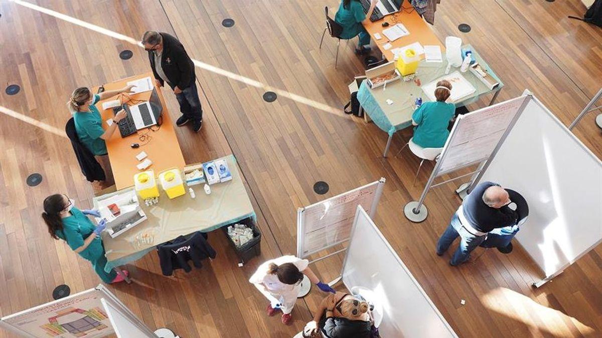 Madrid empieza a vacunar al grupo de 70 a 79 años en centros de salud