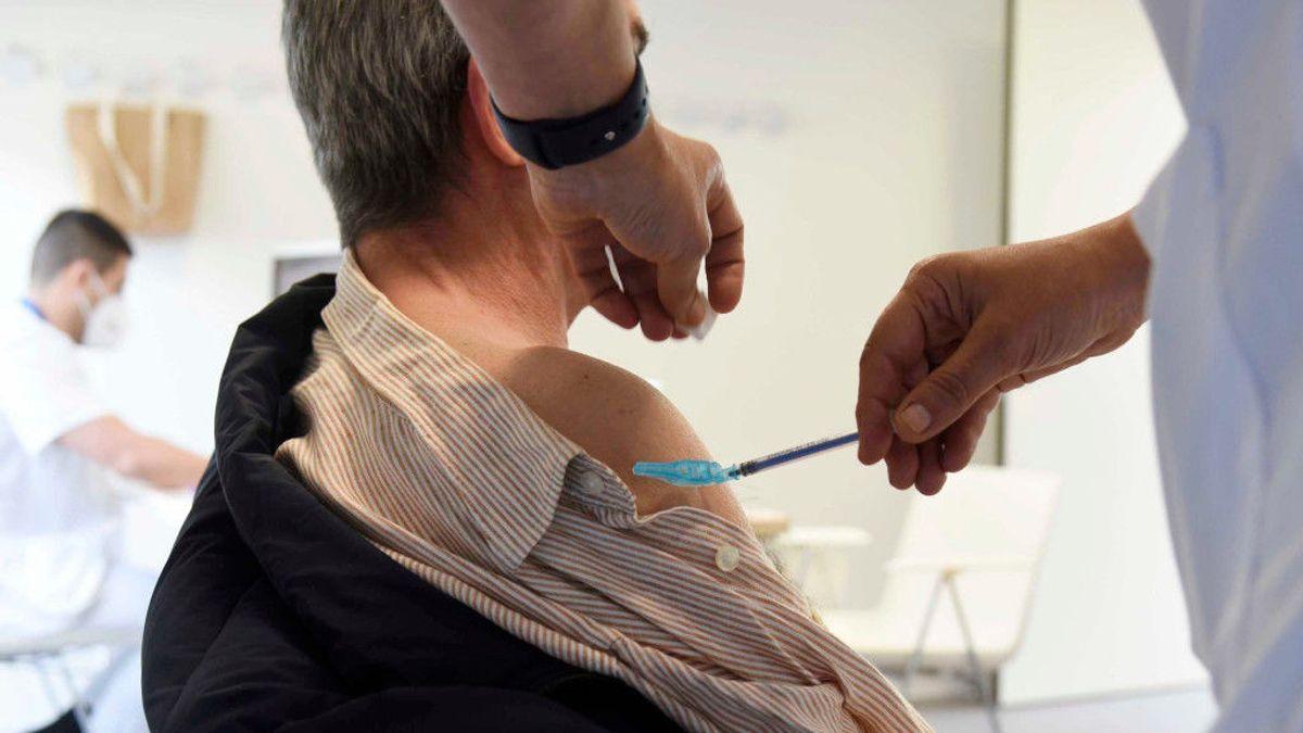 Galicia inicia una vacunación masiva en dos nuevas franjas de edad: de 75 a 79 y de 60 a 65 años