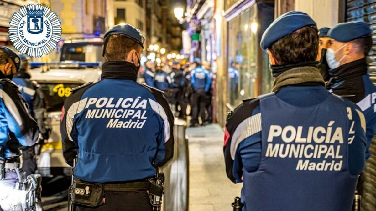 Una fiesta ilegal acaba con dos policías heridos y cinco detenidos en Madrid