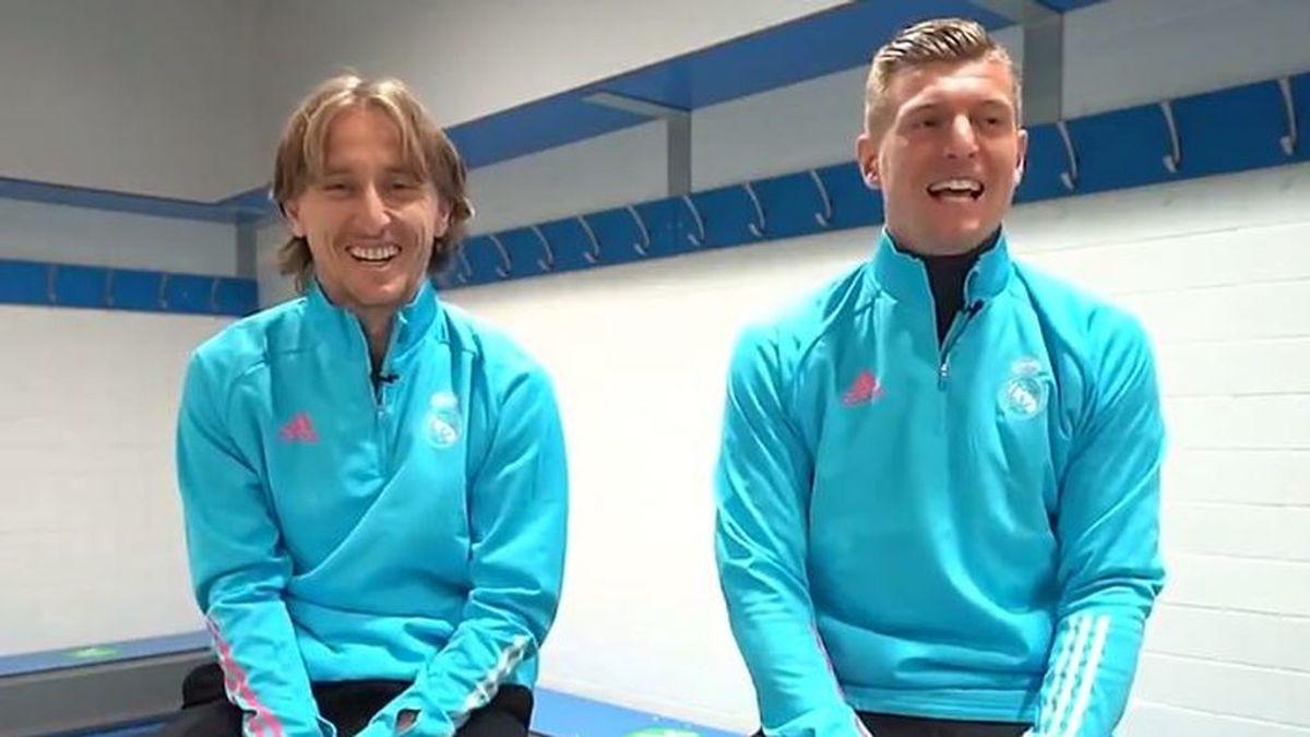 Del jugador que mejor canta, al compañero que acabará en la tele: Modric y Kroos cuentan los secretos del vestuario