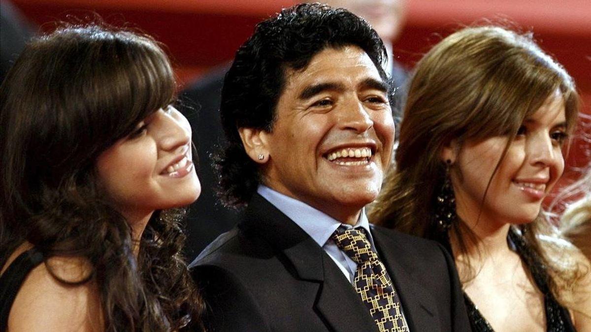 Maradona se gastó 5 millones de euros en sus últimos años: acusan a sus hijas de robarle y abandonarlo