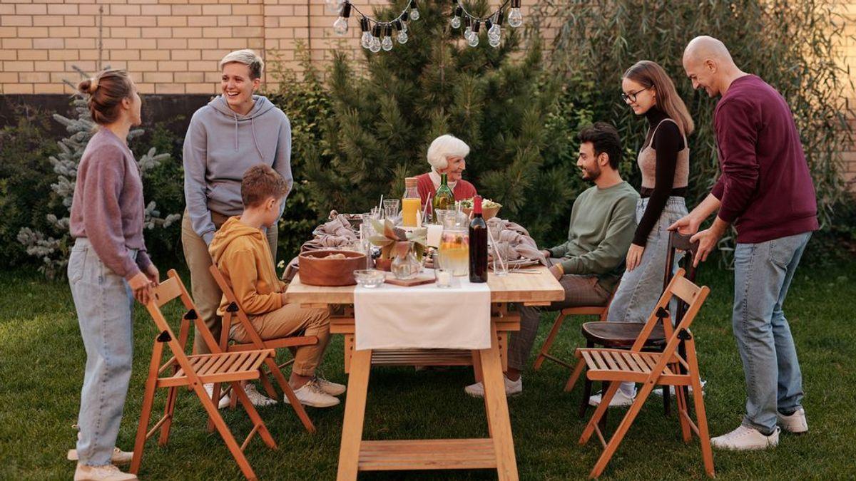 Comer en familia reduce la obesidad y favorece la salud en los adolescentes