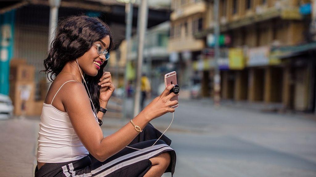 La respuesta de una chica a su exnovio en Tinder que triunfa en Internet