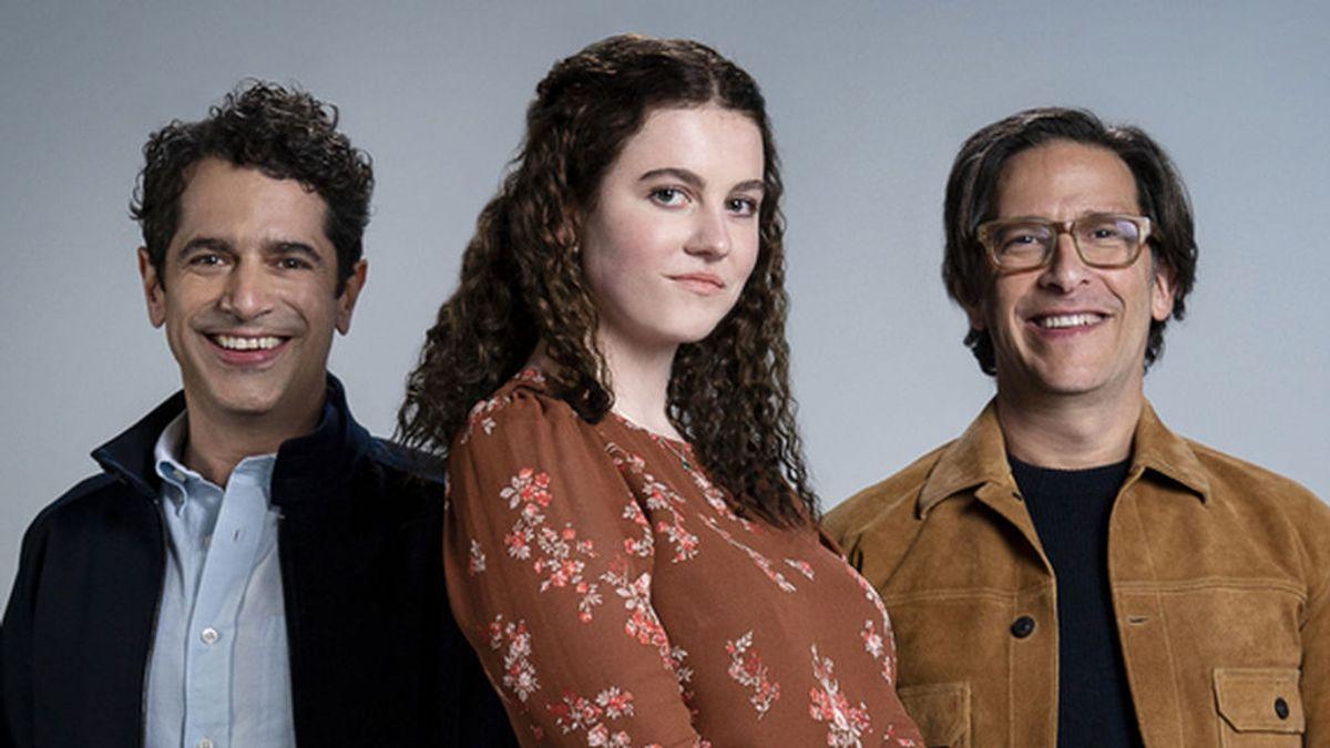 Zelda Barnz y sus padres, Ben y Daniel Barnz