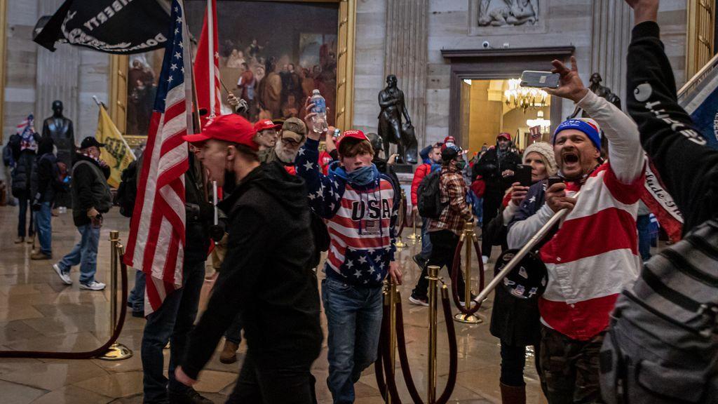 Otros diez congresistas de EEUU se unen a la demanda contra Trump por incitar el asalto al Capitolio