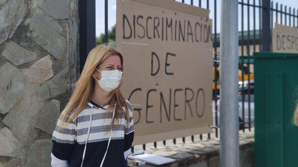 """Los trabajadores de Conservación de Carreteras de Cádiz en huelga por una compañera: """"Si fuera hombre, seguiría contratado"""""""