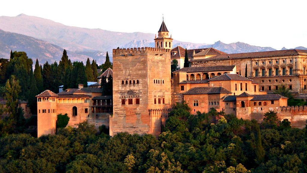 Muere una estudiante irlandesa de 16 años tras caer por una colina cerca de la Alhambra de Granada