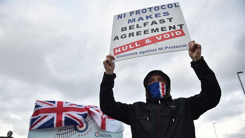 El parlamento norirlandés se reúne de urgencia tras siete noches de disturbios lealistas
