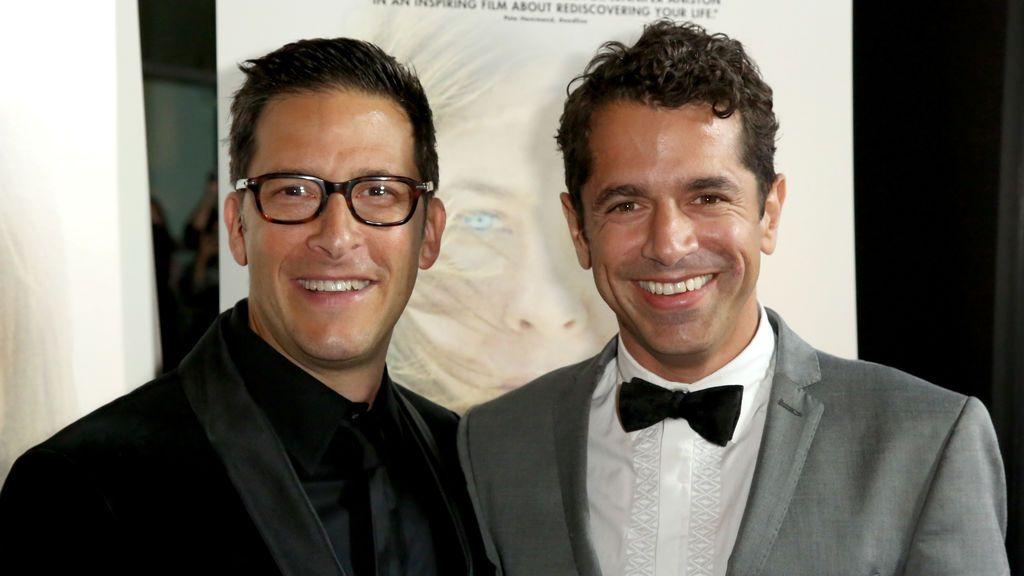 Ben Barnz (izquierda) y Daniel Barnz, padres de Zelda Barnz