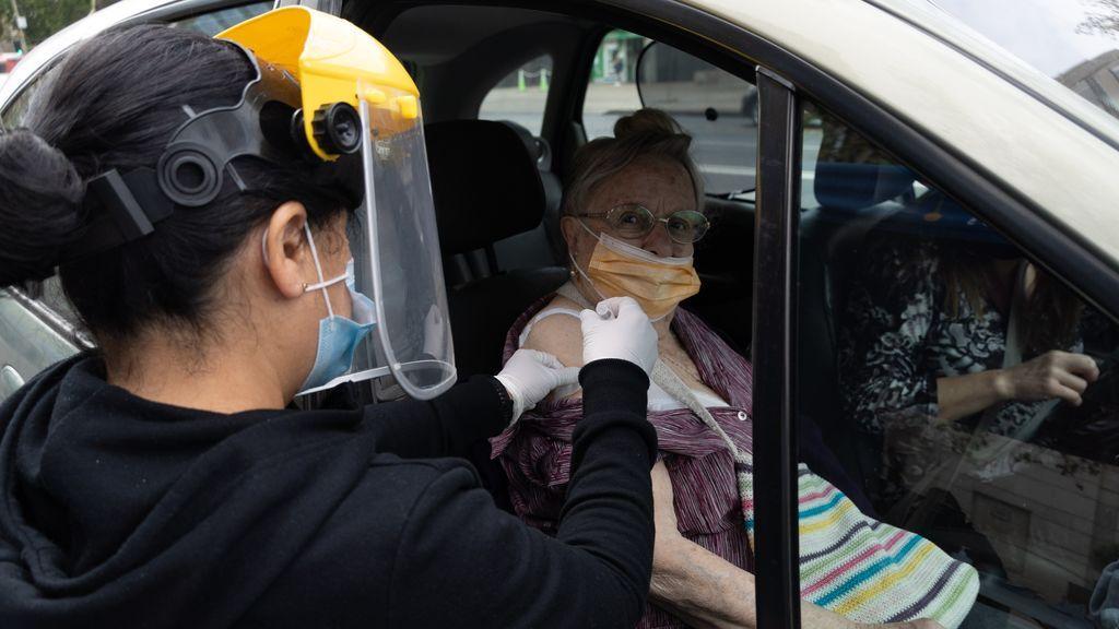 La tasa de contagios sigue subiendo en Chile pese al avance de la vacunación