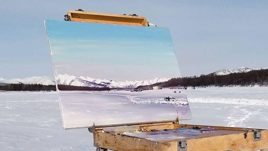 Una artista pinta el paisaje invernal de Siberia a -50 ºC: sus cuadros están siendo un éxito