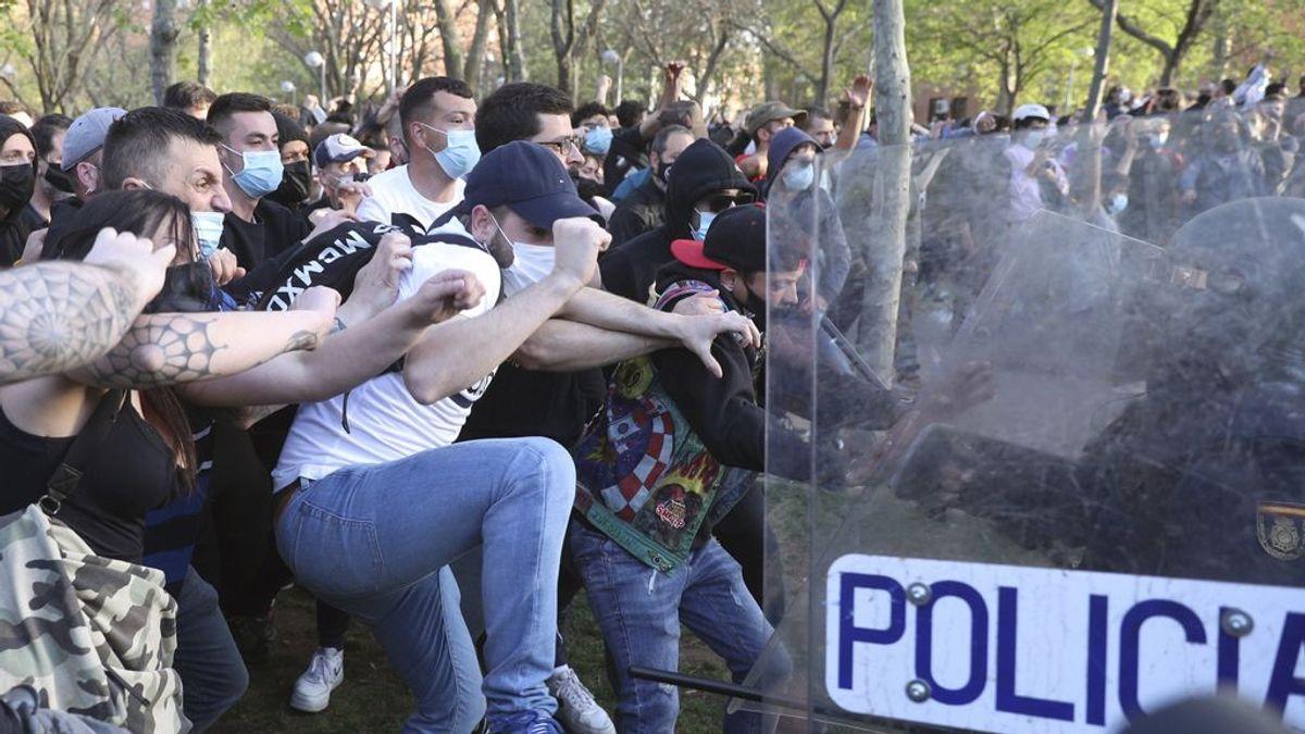 """Bukaneros; los 300 """"antifascistas"""" que se han propuesto reventar la campaña electoral de Vox de Madrid"""
